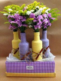 Creative DIY Vases for Decorating your Home on a Budget Glass Bottle Crafts, Wine Bottle Art, Diy Bottle, Bottles And Jars, Glass Bottles, Garrafa Diy, Creation Deco, Decoupage Art, Altered Bottles