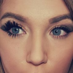 3D fiber mascara can be layered for everyday or built up for a false lash look!