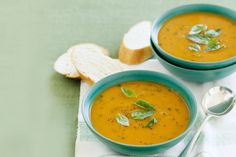 Fast and fantastic vegetarian meals, using six ingredients! The ingredient of Sweet Potato Soup 1 tablespoon ol. Potato Soup Calories, Soup Recipes, Vegetarian Recipes, Calories In Sugar, Sweet Potato Soup, Peeling Potatoes, Cook At Home, Easy Meals, Stuffed Peppers