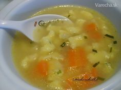 Drožďová polievka s viedenskými haluškami