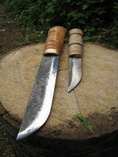 Leuku and puukko made by Antti Makinen