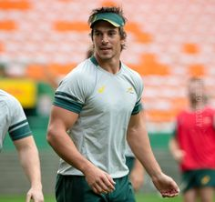 Eben Etzebeth, South African Rugby, Hot Rugby Players, Rugby Men, Hard Men, Beefy Men, All Blacks, Soccer Boys, Men In Uniform