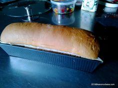 Paine moale de casa reteta simpla pentru incepatori | Savori Urbane Hot Dog Buns, Hot Dogs, Goodies, Food And Drink, Bread, Sweet Like Candy, Gummi Candy, Brot, Baking