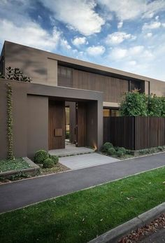 Top Modern Bungalow Design - Stylendesigns - Architecture Beast : Amazing modern facade in brown Modern Architecture House, Residential Architecture, Architecture Design, Amazing Architecture, Modern Fence Design, Modern House Design, Modern Exterior, Exterior Design, Modern Entry