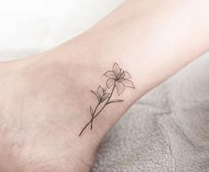 62 Beautiful Ankle Tattoos You May Love to Try! - Page 11 of 62 - LoveIn Home- 62 Beautiful Ankle Tattoos You May Love to Try! Anklet Tattoos, Foot Tattoos, Forearm Tattoos, Finger Tattoos, Sleeve Tattoos, Small Lily Tattoo, Lily Flower Tattoos, Tattoo Flowers, Mini Tattoos