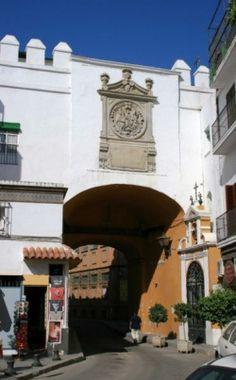 El Arco del Postigo o Postigo del Aceite, Sevilla #Sevilla #Seville #sevillaytu @sevillaytu