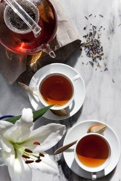 Oolong tea this is a great tea for weight loss. I love oolong! Pu Erh, Chocolate Cafe, Tea Benefits, Oolong Tea, My Cup Of Tea, Mini Desserts, Tea Recipes, Drink Recipes, Coffee Time