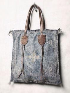 Denim and leather handbag                                                                                                                                                     Más