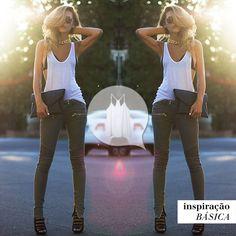 Combinação clássica e perfeita: regata básica e calça jeans! #LookInspiração #Inpiraçãobásica #RegataMarbella #mybasic #girl #girly #fashion