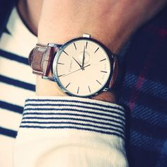love the simple watch face and cuff stripes