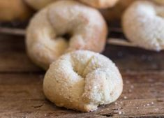 Wine Cookies / Ciambelle al Vino. Wine Cookies / Ciambelle al Vino Recipes Wine Cookies Ciambelle al Vino, a delicious crunchy not too sweet Italian fall cookie, made with white wine. Fast and easy. Wine Cookies, Tea Cookies, Fall Cookies, Galletas Cookies, Yummy Cookies, Blossom Cookies, Almond Cookies, Anisette Cookies, Amaretti Cookies