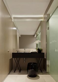 bathroom of Contemporary Black and White Themed Hotel