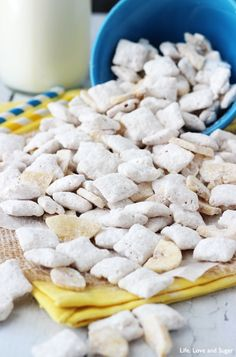 This post may contain affiliate links. Please read my privacy policy. This Banana Pudding Puppy Chow is absolutely delicious and unmistakably banana pudding flavored. It gets its amazing flavor from dry banana pudding mix! Craving more banana? You have to check out my Super Easy Banana Bread Recipe! Banana Pudding Puppy Chow This puppy chow …