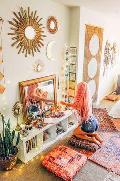 Home Bedroom Hippie House Boho-chic Living room Orange Furniture Cozy Bedroom, Girls Bedroom, Bedroom Decor, Bedrooms, Bedroom Ideas, Modern Bedroom, Contemporary Bedroom, Master Bedroom, Bedroom Colors