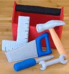 Tool Box and Tool Set Felt Toy PDF Pattern (Hammer, screwdriver, saw, square, wrench) Werkzeugkasten und Werkzeugset Filz Toy PDF Pattern Hammer Sewing Toys, Baby Sewing, Sewing Crafts, Sewing Projects, Craft Projects, Craft Ideas, Sewing Aprons, Felt Projects, Sewing Hacks