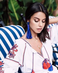 On #VivaLuxury today - a few favorite summer jewelry trends | @baublebar earrings & @march11.us dress ❤️