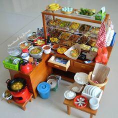 Warteg tampak belakang #clay #miniature #clayminiature #claycraft #craft #handmade #tinyfood #foodminiature #clayfood #airdryclay #miniatur #miniaturestuffs #miniaturclay #miniaturmurah #jualminiatur #miniaturlucu #souvenirlucu #souvenirunik #kado #jualan #onlineshopmalang #pajangan #jualclay #mainan #hobiunik #customorder #reinveesproducts