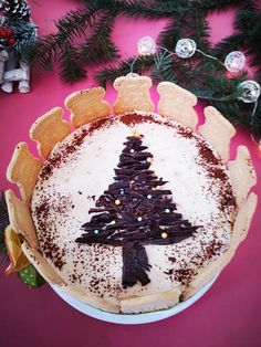Cheesecake cu mascarpone si biscuiti spekulatius - Bucataresele Vesele Bourbon, Christmas Bulbs, Cheesecake, Sweets, Holiday Decor, Mascarpone, Almond Cookies, Bourbon Whiskey, Christmas Light Bulbs