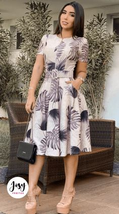 Vestido Midi - Keilla Fernandes - Source by - Modest Dresses, Simple Dresses, Elegant Dresses, Cute Dresses, Vintage Dresses, Casual Dresses, African Attire, African Fashion Dresses, Dress Outfits