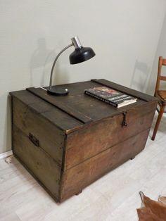 neuzugang ein praktischer schmaler rolladenschrank ideal. Black Bedroom Furniture Sets. Home Design Ideas