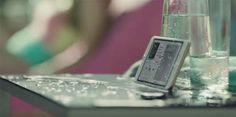 """La Organización de Consumidores y Usuarios (OCU) ha decidido emprender acciones legales contra Apple. El motivo es el anuncio del iPhone 7, el último terminal que han presentado los de la manzana mordida, en el cuál según la denuncia presentada ante la Dirección General de Consumo de la Comunidad de Madrid encontramos """"publicidad engañosa"""". La denuncia de la OCU viene motivada por el anuncio en el que nos presentan el..."""