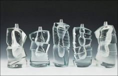 Yoichi Ohira, Cristallo Sommerso - Quintet, 2009. Verre transparent dit « cristallo », soufflé ; taillé et poli, cols gravés à la roue « inciso ». Collection de l'artiste.Courtesy Les Arts décoratifs © DR
