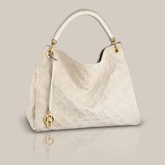 Artsy MM via Louis Vuitton :-) lovely bag