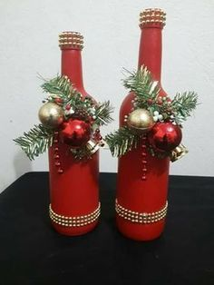 icu ~ Pin on Christmas DIY Decorations Ideas ~ 35 Best DIY Christmas Centerpieces Easy And Creative Ideas Glass Bottle Crafts, Diy Bottle, Crafts With Wine Bottles, Wine Bottle Art, Holiday Crafts, Christmas Crafts, Christmas Wreaths, Christmas Ornaments, Deco Table Noel