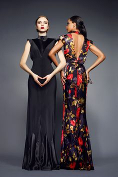 Toya's Tales: What Will Catch My Eye?: When Ladylike Glam Collides With Fantastical Prints at Duro Olowu's Fall 2013 Presentation  http://toyastales.blogspot.com/2013/02/when-ladylike-glam-collides-with.html