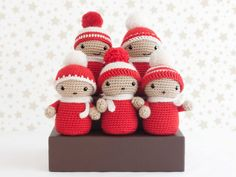 Amigurumi coro de Navidad, paid pattern from a book Crochet Christmas Ornaments, Christmas Crochet Patterns, Christmas Knitting, Holiday Ornaments, Christmas Crafts, Crochet Amigurumi, Amigurumi Patterns, Crochet Dolls, Crochet Home