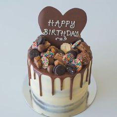 Cake Recipes Chocolate Birthday - New ideas Oreo Torta, Oreo Cake, Funny Birthday Cakes, Homemade Birthday Cakes, Cake Decorating Videos, Birthday Cake Decorating, 18th Birthday Decor, Chocolate Cake Designs, Pear And Almond Cake