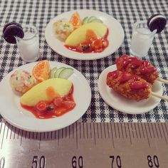 Miniature food 버리긴 아까운 망작 오믈렛과 주먹밥. 핫도그  #미니어쳐#미니어쳐음식#김포댁#오믈렛#핫도그#아침식사#miniaturefood #miniature #breakfast #omulet #早餐#food#clay#handmade