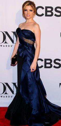 Anna Kendrick OMG I LOVE HER DRESS