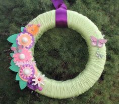 Spring wreath...kids can help make too! #GlueArts #Sizzix #May Arts
