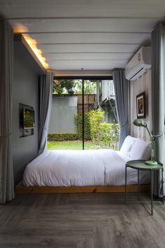 Serene Backyard Container House from Thailand - Living in a Container Container Van House, Building A Container Home, Container House Design, Tiny House Design, Tiny House Cabin, Tiny House Living, Airbnb House, Shipping Container Home Designs, A Frame House