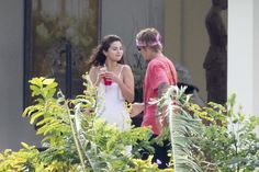 Selena Gomez and Justin Bieber flew to Jamaica for a wedding father of the musician Selena Selena, Justin Love, Justin Bieber Selena Gomez, Estilo Selena Gomez, Justin Bieber Style, Justin Bieber And Selena, Justin Bieber Pictures, Montego Bay, Jamaica