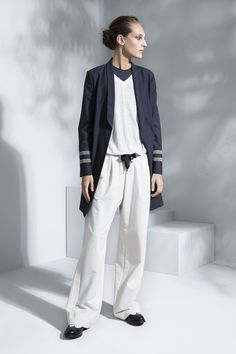 The complete Brunello Cucinelli Spring 2016 Ready-to-Wear fashion show now on Vogue Runway. Milan Fashion, Spring Fashion, Fashion Show, Casual Chic, Casual Wear, Petite Fashion, Womens Fashion, Italian Fashion Designers, Brunello Cucinelli