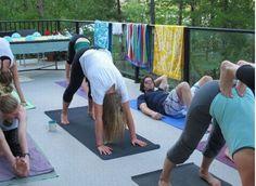 yoga-guy in classs