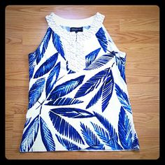 Jones new York leaf embelish neckline top!! Beautiful bead embelished top! Gorgeous details make this top gorgeous for resort wear or for a more casual look can be worn with jeans!! Jones New York Tops