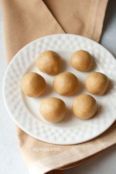 urad dal ladoo recipe - tasty and delicious ladoos made with urad dal, ghee and sugar.  #ladoo #uraddal
