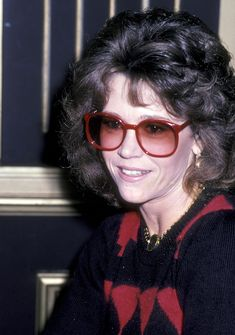Few celebrities have had such prolific careers as Jane Fonda. Here, explore the actress and activist's many beauty looks from 1965 to now. Henry Fonda, Jane Fonda, New York Socialites, Lee Strasberg, Orange Lips, Actor Studio, Cut Her Hair, Jane Seymour, Perfect Smile