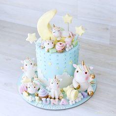 Fashion and Lifestyle Unicorne Cake, Eat Cake, Gorgeous Cakes, Amazing Cakes, Fondant Cakes, Cupcake Cakes, Winter Torte, Unicorn Cake Topper, Sugar Cake
