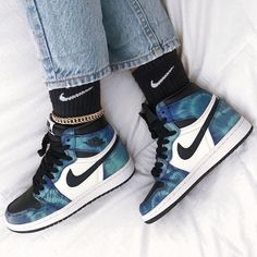 Jordan Shoes Girls, Jordan Outfits, Nike Outfits, Sneakers Fashion, Sneakers Nike, Shoes Wallpaper, Nike Kicks, Nike Shoes Air Force, Aesthetic Shoes