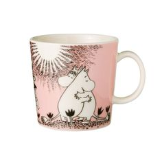 Children and adults alike fall in love with the sympathetic characters of Moomin Valley as created by the author Tove Jansson. The Arabia artist Tove Slotte has designed the delightful Moomin objects in keeping with the original drawings. Moomin Mugs, Ceramic Tableware, Ceramic Mugs, Kitchenware, Ceramic Pottery, Les Moomins, Tove Jansson, Porcelain Mugs, Pink