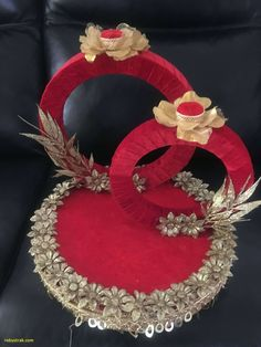 TOP View post decoration for engagement tray visit Homelivings Decor Ideas Indian Wedding Gifts, Indian Wedding Decorations, Wedding Crafts, Diy Wedding, Wedding Couples, Engagement Ring Platter, Thali Decoration Ideas, Decor Ideas, Trousseau Packing