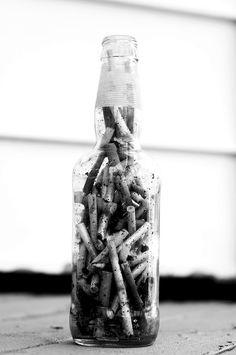 grunge, indie et aesthetic image sur We Heart It Fume Cigarette, Smoking Kills, Techno, Still Life, We Heart It, Black Butler, Photoshop, Cool Stuff, Bottle