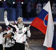 http://www.thestar.com/content/dam/thestar/sports/sochi2014/hockey/2014/02/07/zdeno_chara_skips_two_nhl_games_to_be_flag_bearer_for_slovakia...