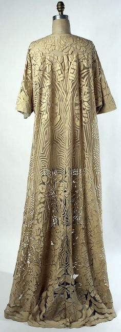 French Negligée, 1910, from the Met Museum | JV