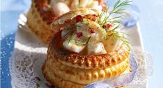 Discover the recipe Christmas puff pastry cuisineactuelle. Vol Au Vent, Tapas, Cooking Time, Cooking Recipes, Healthy Christmas Recipes, Sushi, Ny Food, Party Dishes, Yummy Appetizers