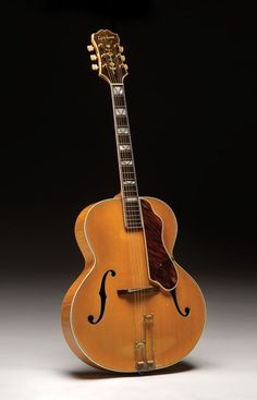 This Emperor, built during the final year of World War II, is notable for its anomalous body shape. Epiphone Acoustic Guitar, Archtop Guitar, Jazz Guitar, Cool Guitar, Instrumental, Gibson Epiphone, Homemade Instruments, Music Machine, Steel Guitar